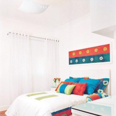 cortina_ilhos_cabeceira_cama